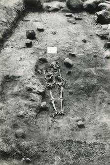 Grób 3-88, pochówek - szkielet we wkopie grobowym