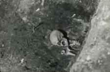 Grób 13-58, pochówek, szkielet