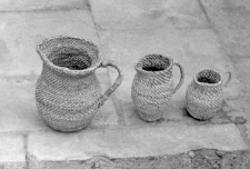 Plaited jugs for blueberries
