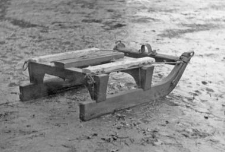 Front of a two-piece sleigh