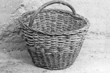Basket with one handle