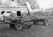 Hayrack with heavers for grain transportation