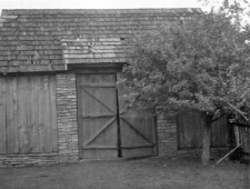 A barn - a half-hipped roof