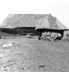 A barn and a granary (half-timbered)