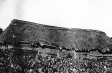 A barn with two threshing floors