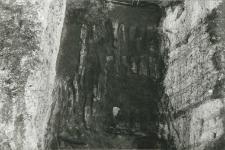 Burnt rampart structure