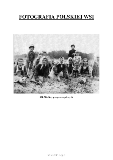 [Women at the field works] [An iconographic document]
