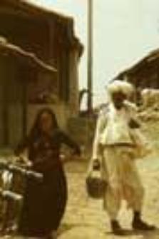 Rodzina pasterzy dheberiya rabari(ojciec i córka) (Dokument ikonograficzny)