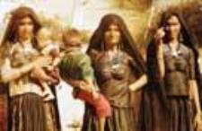 Women of the group kachchi rabari (Iconographic document)
