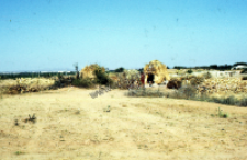 Clay houses of migratory groups (Iconographic document)