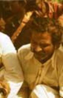 Wieczorne śpiewy (bhajan) pasterzy kachchi rabari (Dokument ikonograficzny)