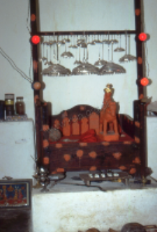 Domestic Hindu shrine (Iconographic document)