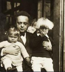 Janusz Domaniewski z dziećmi
