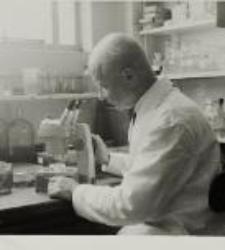 Stanisław Markowski w laboratorium