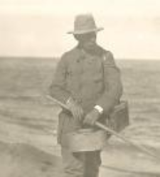 Jan Aleksander Bayger na wybrzeżu
