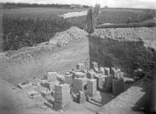 Stanowisko Horodok VII : widok na zawartość kulturową wykopu