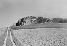 Strzegowa, powiat Olkusz : widok na Jaskinię Jasną