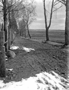 Chotów, gm. mińska : widok na pola z drogi koło dworu