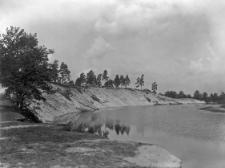 Wieś Tynne (Polesie) : płat tarasy fluwioglacjalnej pocięty przez rzekę Słucz