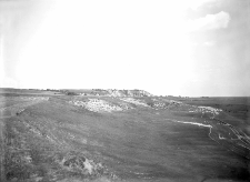 Rzeka Horyń (koło Bereźnicy) : wyniosły lewy brzeg doliny