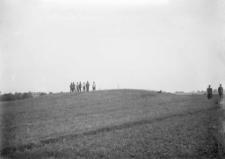 Wieś Wolica : kurhan rozkopywany w 1925 roku przez Irenę Sawicką