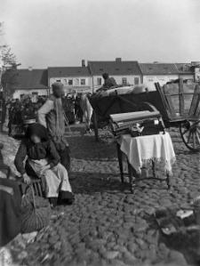 Izbica (Podole) : rynek - dzień targowy