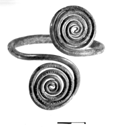 armlet with two spiral discs (Makowice)